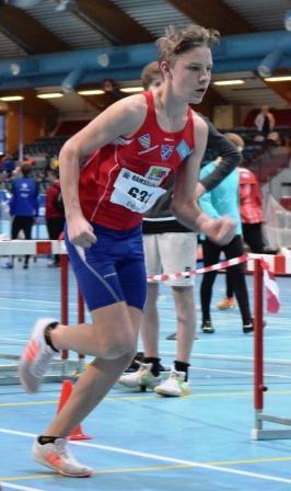 Forbedring av personlig rekord på 200 meter med mer enn tre sekunder.